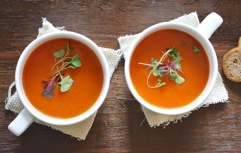 Dieta dr Dąbrowskiej to również zupy krem, które są atrakcyjną alternatywą dla klarownych zup warzywnych.