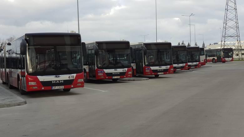 61 nowych autobusów, spalinowych, ale spełniających najnowsze normy dotyczące spalania, kupiło Opole, z dotacją unijną