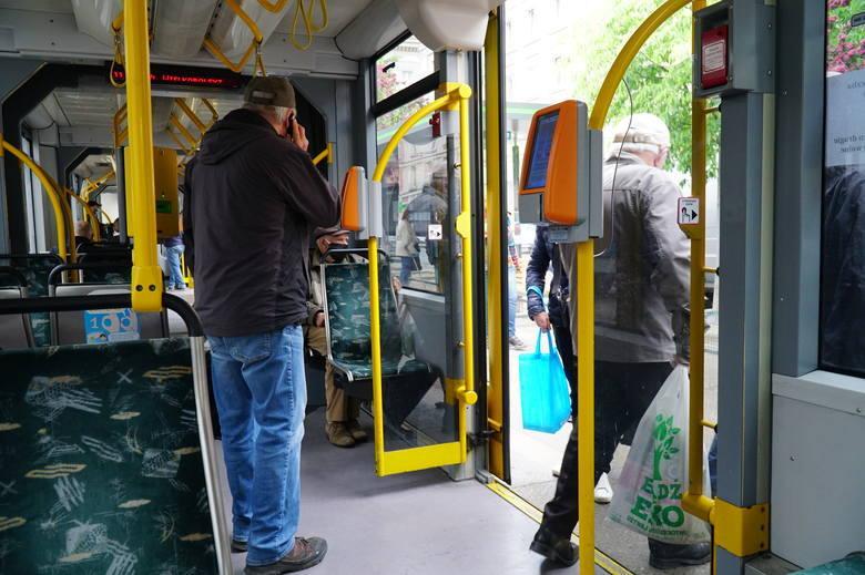 Jakiś czas temu głośno było o mieszkańcu Jeleniej Góry, którego policja siłą wyrzuciła z autobusu miejskiego, bo nie chciał wysiąść z hulajnogą elektryczną.