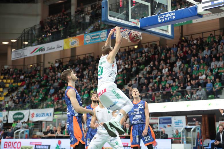 W sobotni wieczór Stelmet Enea BC zakończył mecze ligowe w 2018 roku zdecydowanym zwycięstwem nad Rosą Radom. Stelmet Enea BC Zielona Góra - Rosa Radom