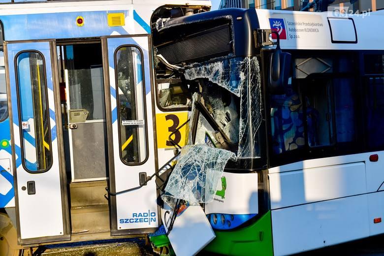 Wypadek na Bramie Portowej: zderzenie tramwaju z autobusem, kilkanaście osób rannych.