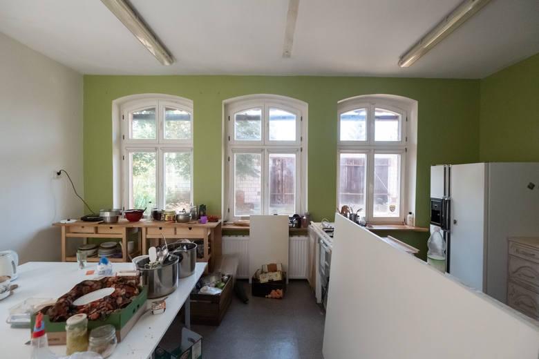 Kolektyw Edukacyjny zbiera pieniądze na remont szkoły pod Mosiną. Stowarzyszenie potrzebuje 70 tysięcy złotych.