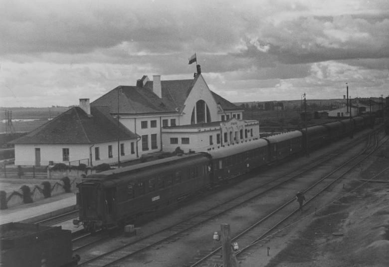 Stacja kolejowa w Stołpcach