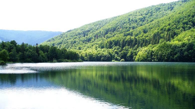 Dolina Luizy w Wapienicy w Bielsku-BiałejPiękne miejsce w otoczeniu dzikiej przyrody, którego jedną z atrakcji jest sztuczny zbiornik wodny. Znakomite