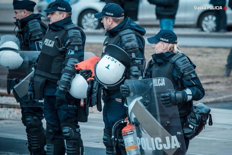 Policjantki na COP24: Wielogodzinne służby wymagają od nich dużego zaangażowania i odporności. Kilkanaście dni poza domem, z dala od rodziny i bliskich,