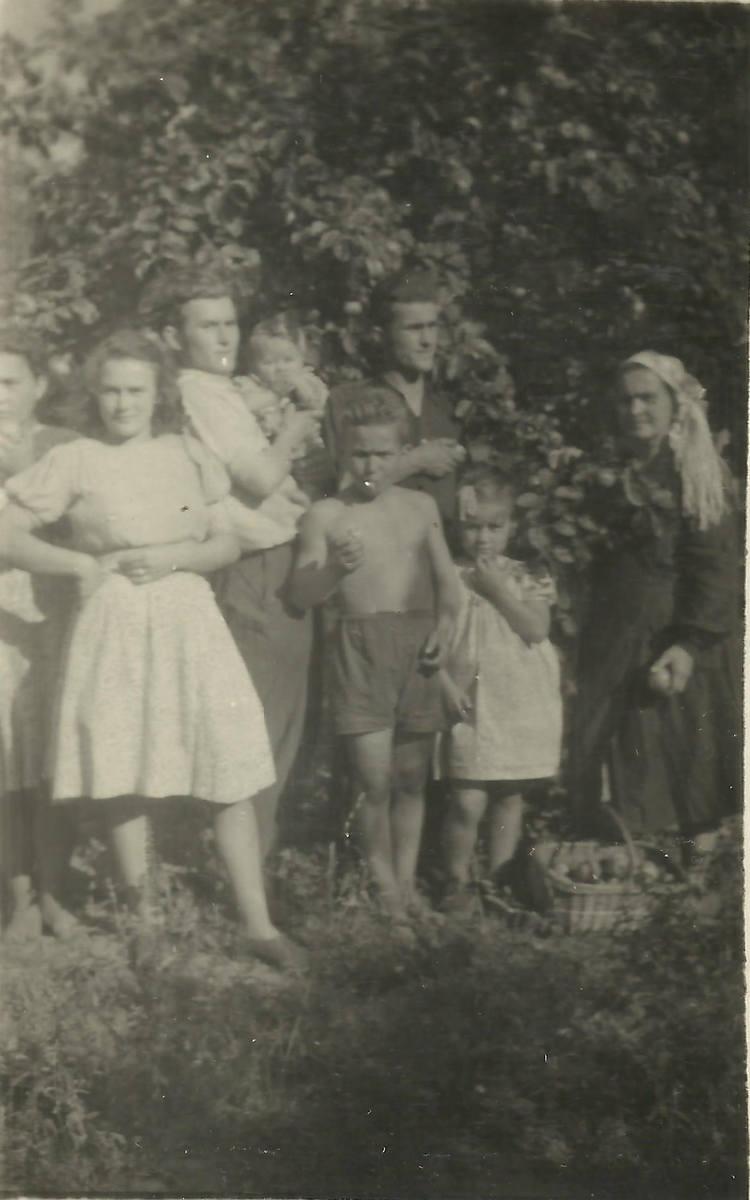 Rodzina w Letnicy rok 1948