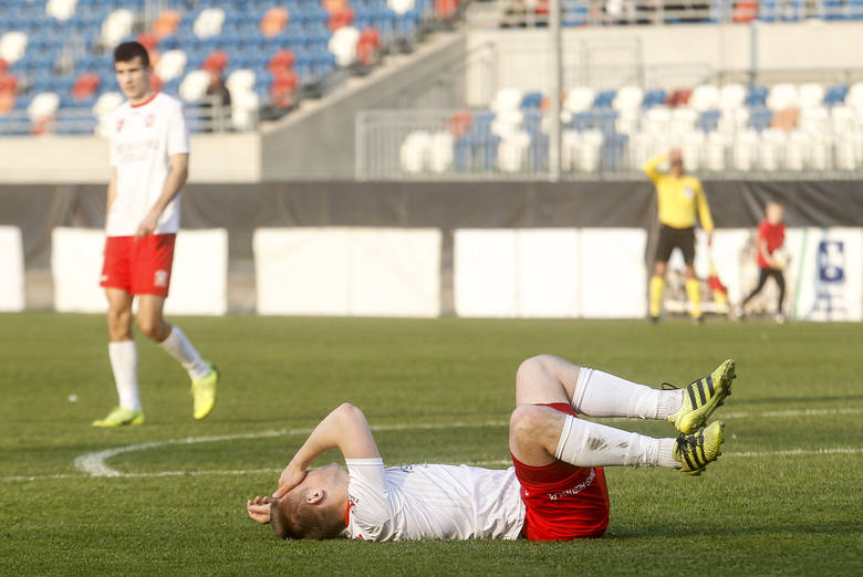 Apklan Resovia w zaległym meczu 2 ligi przegrała z ROW-em Rybnik 0:1 RELACJA Z MECZU ZOBACZ TAKŻE - Szymon Szydełko, trener Sokoła Sieniawa: Piłka nożna
