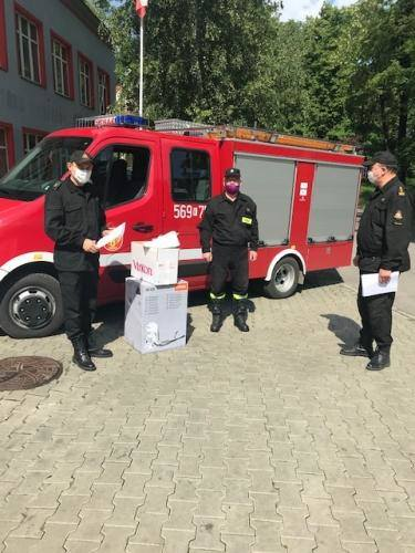 """Powiat wielicki. Jednostki OSP otrzymały """"unijne"""" środki ochronne pomocne w walce z koronawirusem"""