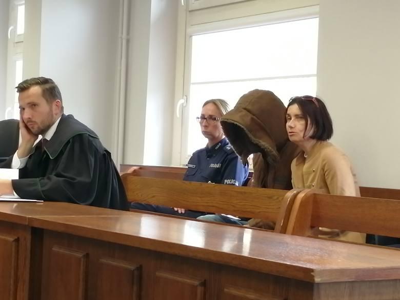 Fuad F. ostatecznie został skazany na 2,5 roku więzienia. Chociaż sąd uznał go winnym zarzucanych mu czynów, jednocześnie stwierdził, że działał w ramach obrony własnej, lecz przekroczył granice obrony koniecznej