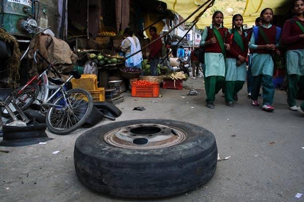 Podróz po Indiach<br /> Z powrotem w Manali. Gdzieś na bazarze.