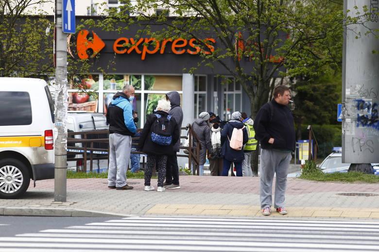 Warszawa: Atak nożownika i strzelanina. Akcja policji na Gocławiu