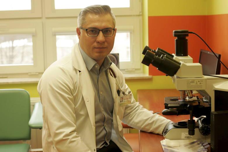 Prof. Krzysztof Giannopoulos jest szefem oddziału hematologii w Centrum Onkologii Ziemi Lubelskiej, a także kierownikiem Zakładu Hematoonkologii Doświadczalnej