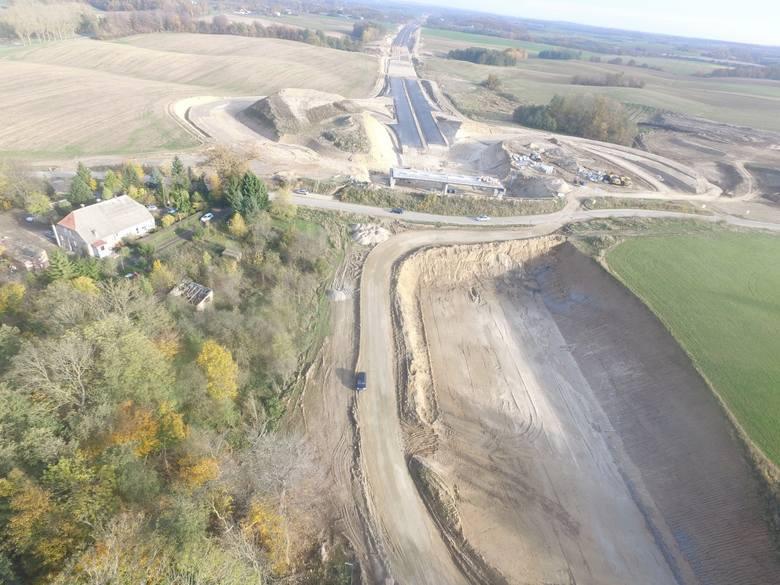 Zobaczcie zdjęcia z prac prowadzonych przy budowie drogi S6 na odcinku Ustronie Morskie - Koszalin.Zobacz także Budowa obwodnicy Koszalina i Sianowa