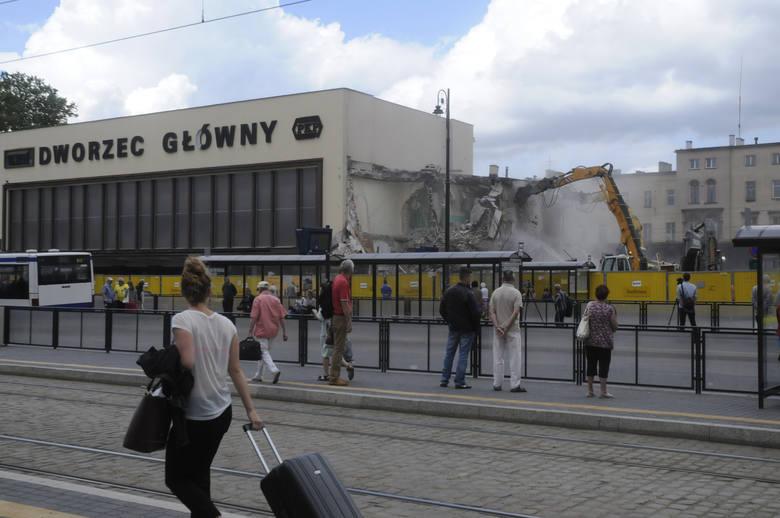 Stary gmach dworca tuż przed rozbiórką - czerwiec 2014 roku