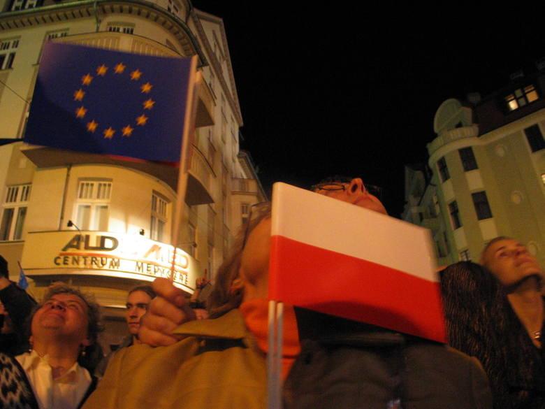 Dokładnie 15 lat temu (1 maja 2004), Polska stała się częścią Unii Europejskiej. Od tamtego pamiętnego wydarzenia wspólnie z innymi państwami zaczęliśmy