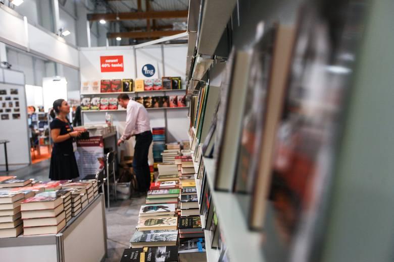 Ruszyły Międzynarodowe Targi Książki w Krakowie 2019. Tłumy wielbicieli czytania! [ZDJĘCIA]
