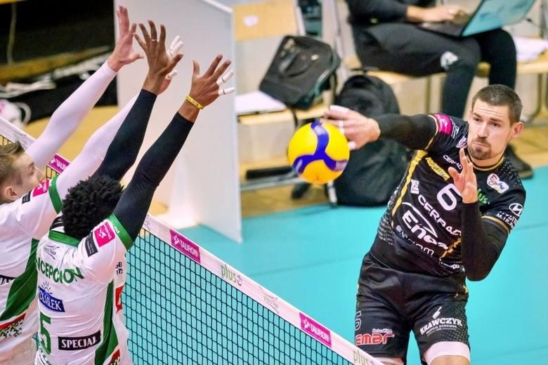 W meczu PlusLigi siatkarzy, Cerrad Enea Czarni Radom przegrali 1:3 z Indykpolem AZS w Olsztynie. Najlepszym siatkarzem meczu został wybrany Wojciech