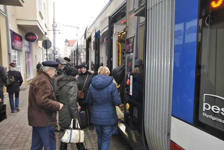 Testowany w Grudziądzu tramwaj jest warty ok. 7 mln zł. Będzie jeździł na trasie Dworzec PKP - osiedle Rządz.
