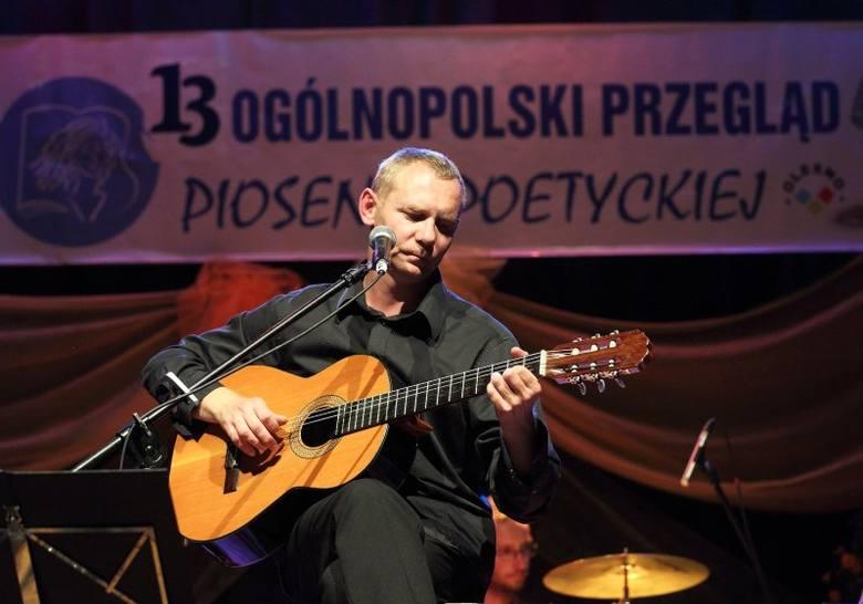 Dwudziestu wykonawców  wystąpiło w tym roku w XIII Ogólnopolskim Przeglądzie Piosenki  Poetyckiej w Oleśnie. Jako gwiazdy wieczoru w tegorocznym przeglądzie