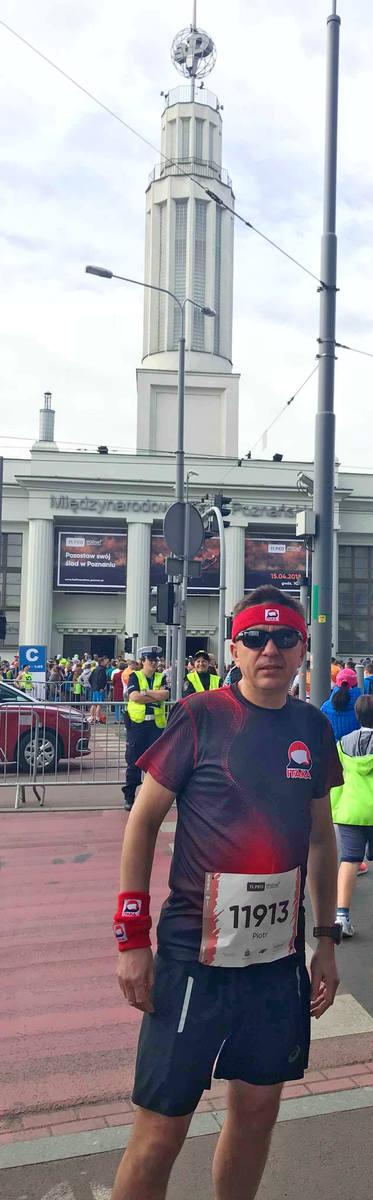 Piotr Henicz w kwietniu minionego roku po raz kolejny ukończył poznański półmaraton