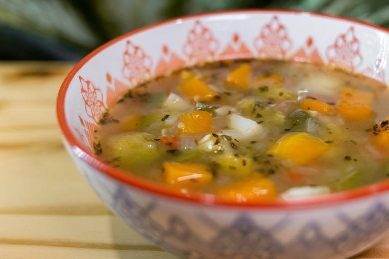 Przepis na zupę z dyni - może powstać kremowa zupa dyniowa lub w kawałkach. Świetnie rozgrzewa