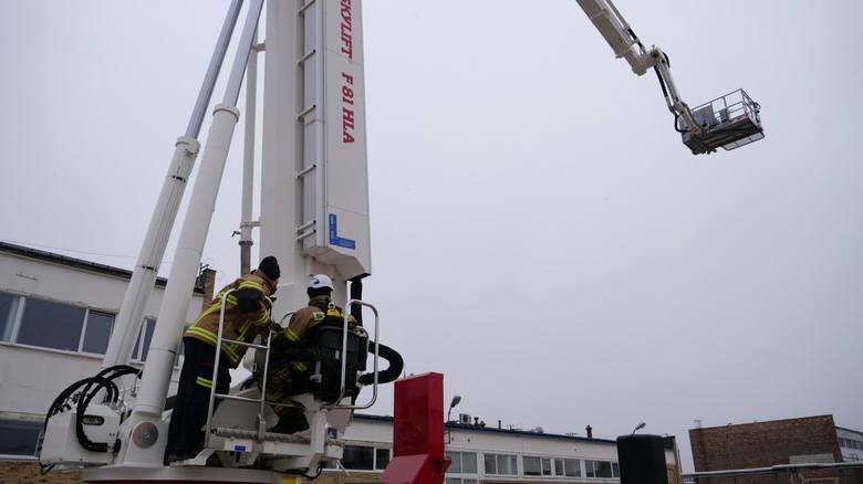 Najwyższy w UE strażacki podnośnik rozpoczął służbę w rafinerii Grupy Lotos