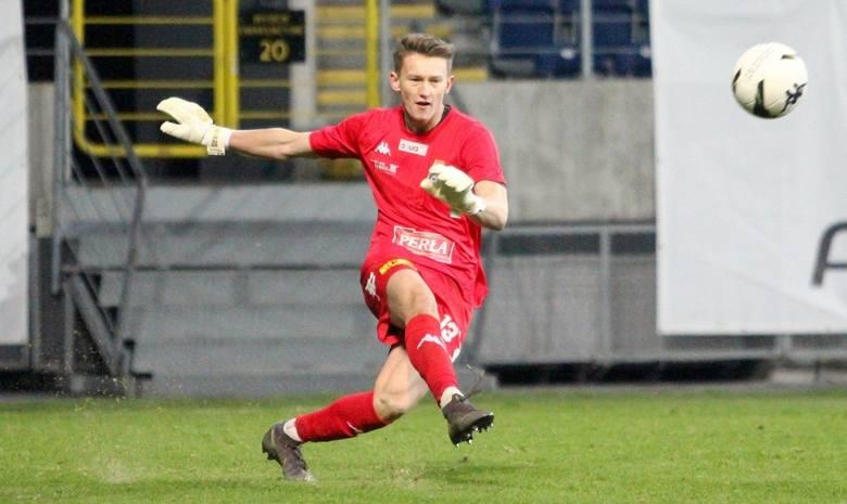 Bramkarz wypożyczony w rundzie jesiennej ze Stali Mielec zagrał w pięciu spotkaniach o punkty. W dwóch z nich był niepokonany.