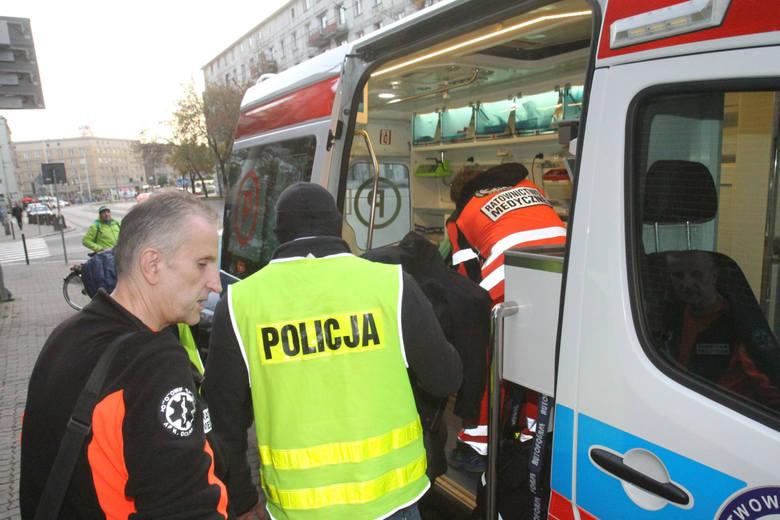 Agresywny pacjent zaatakował ratowników medycznych w Joachimowie Mogiłach