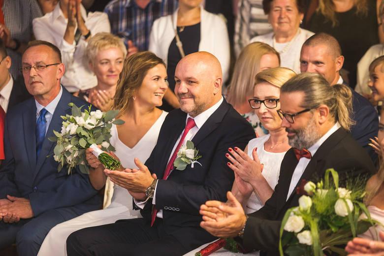 Toruń również nie żąda dodatkowych opłat. A i prezydent Michał Zaleski udzielił niedawno nietypowego ślubu w tramwaju. W tym zakresie daleko mu jednak do trzycyfrowego wyniku Biedronia.