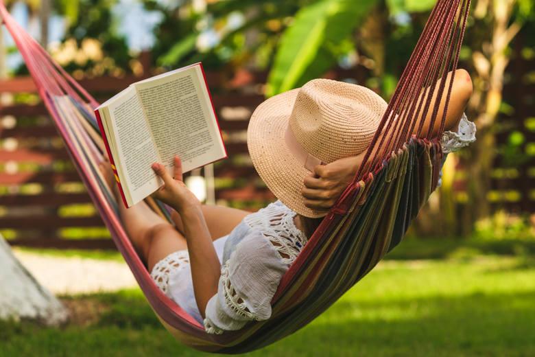 Kiedy warto wziąć urlop, by wydłużyć wakacje? Kalendarz dni wolnych od pracy w 2021 roku