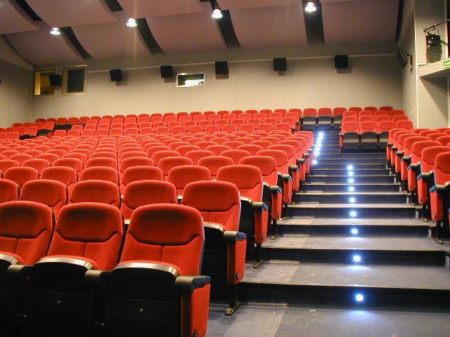 """Ostrołęka. Kino Jantar przygotowuje się na przyjęcie widzów. """"Mamy wspaniałe wieści. Wracamy do kina"""""""