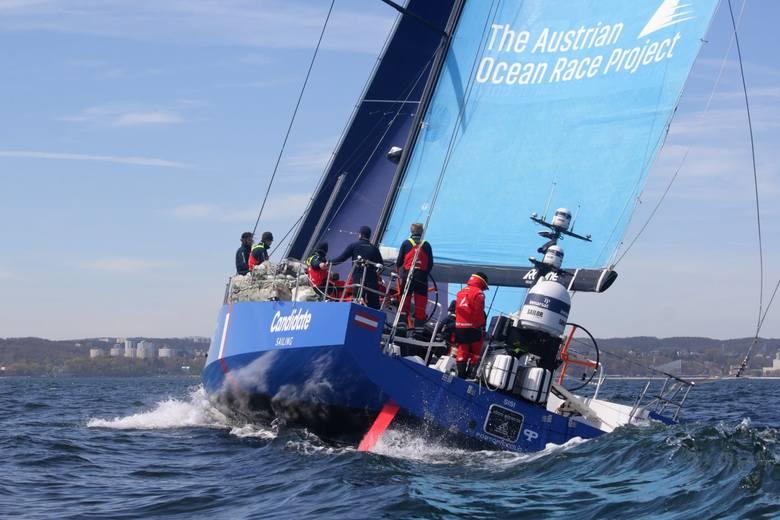 Niesamowite jachty ścigają się w Gdyni! Na pierwszym miejscu Polacy!