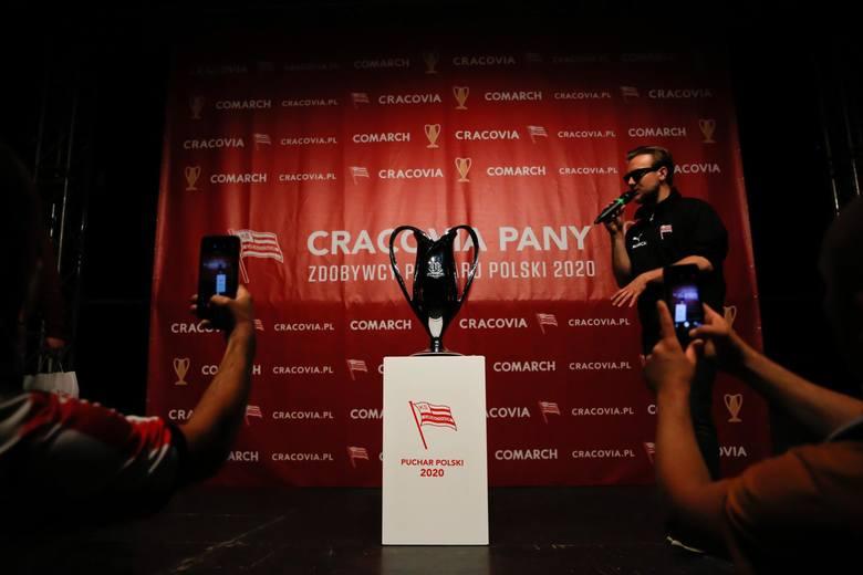 Tytułu broni Cracovia