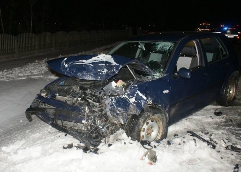 Zambrów - wypadek. Opel zderzył się z volkswagenem (zdjęcia)