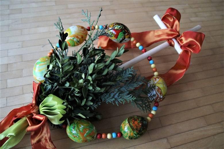 Kolorowa palma wielkanocna
