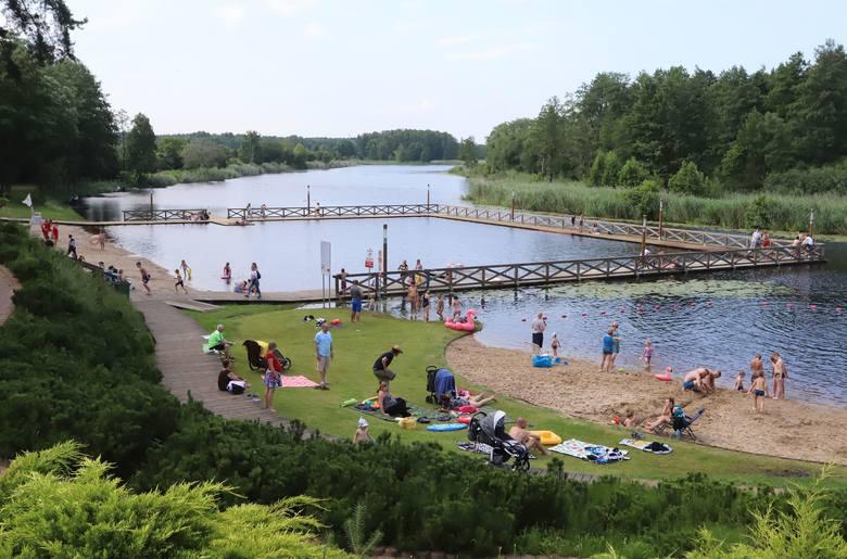 Nad Jeziorem Kozienickim w Ośrodku Wypoczynkowym Kozienickiego Centrum Rekreacji i Sportu rozpoczął się sezon letni. Od 26 czerwca przez całe wakacje