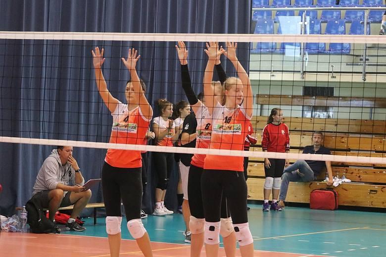 Do rywalizacji na turnieju w Ostrołęce przystąpiło 15 drużyn.