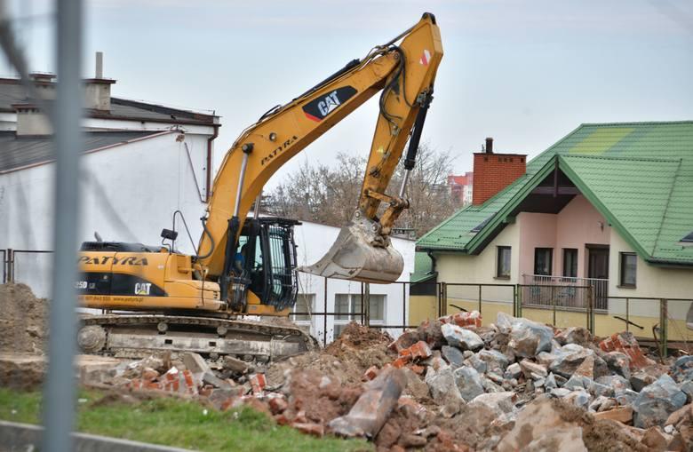 Trwają prace przy rozbudowie Centrum Handlowego nad Potokiem przy ulicy Struga w Radomiu. Galeria będzie niemal dwukrotnie większa niż obecnie. Spółka