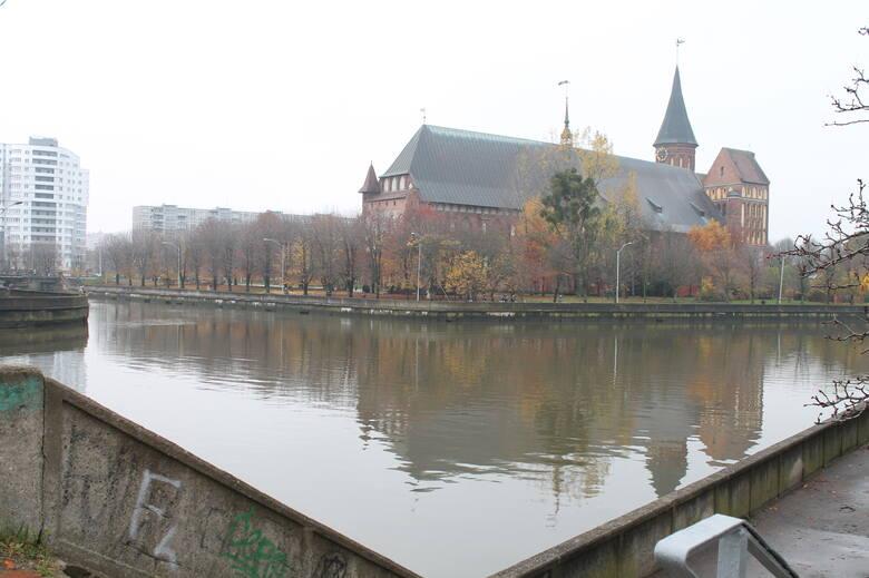 Królewiecka katedra, kiedyś położona wśród gęstej zabudowy.