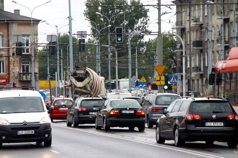 """Korki w Lublinie. Wakacje się skończyły, a remonty ulic nie. """"To jest nie do wytrzymania. Jak długo jeszcze?"""" - pytają lublinianie"""