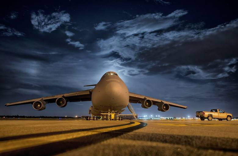 Czy województwo podlaskie potrzebuje lotniska regionalnego? Wielka debata już dziś