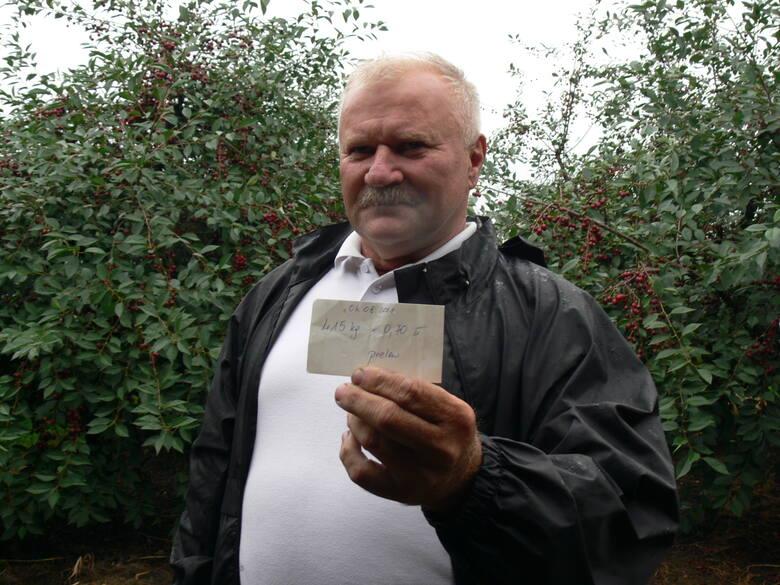 - Zbierałem z żoną wiśnie i za 415 kilogramów tyle tylko dostałem, bo dziś wiśnia w skupie jest po 70 groszy za kilogram, to jest nasz dramat, my chcemy