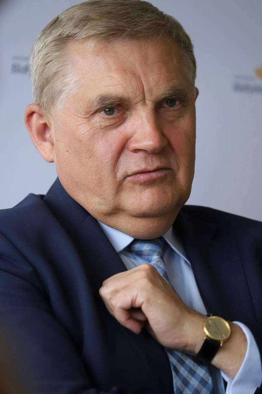 Rozmawiałem z dyrektorem ds. rozwoju Nextbike  Jakubem Gizą. Stwierdził, że firma złożyła wniosek o restrukturyzację. Prawo jednak wymaga równoczesnego