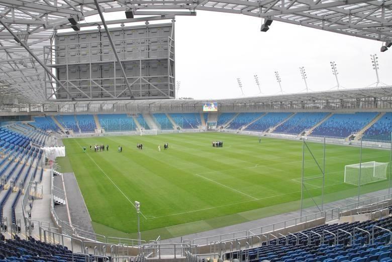 Arena LublinPojemność: 15 500Arena Lublin powstała w latach 2011-14. Pierwszym piłkarskim wydarzeniem był pojedynek reprezentacji Polski z zespołem Włoch