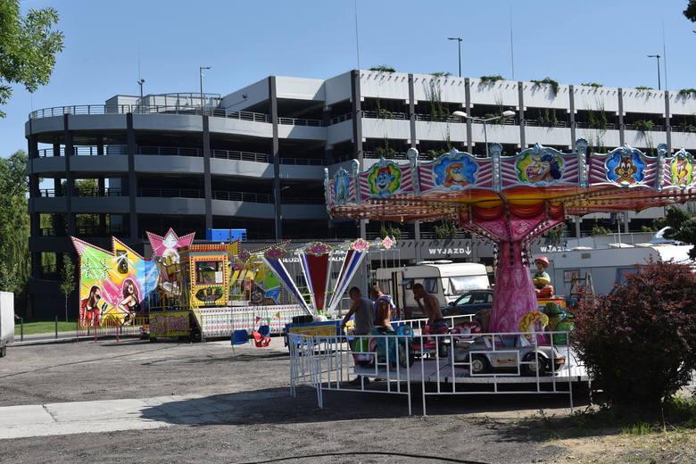 Zamiast starego parkingu w Rybniku tymczasowe miejsce aktywności. Koniec darmowego parkowania na Hallera