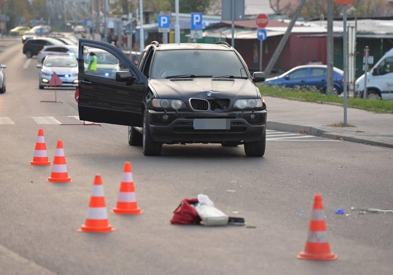 Do zdarzenia doszło w środę po godz. 16 na ul. Sportowej w Przemyślu. Kierujący BMW potrącił kobietę. Pogotowie ratunkowe zabrało poszkodowaną pieszą
