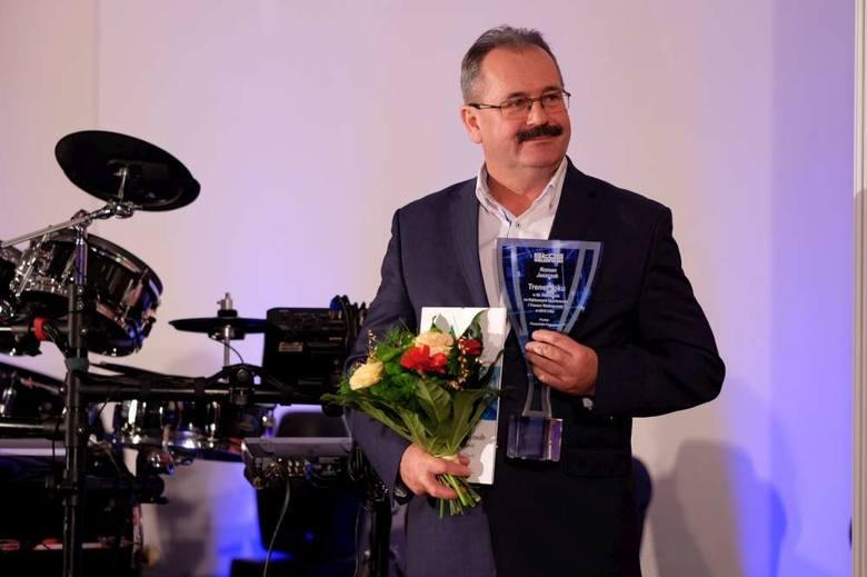 Trenerem roku Czytelnicy wybrali <strong>Romana Jaszczaka</strong>, opiekuna trzykrotnych mistrzyń Polski w piłce nożnej, zawodniczek POLOMarketu Medyka Konin.