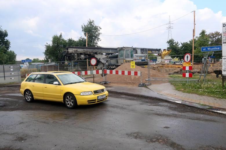 Jedna rzeka, dwa mosty. Zobacz, na jakim etapie są prace przy przeprawach na Czerniejówce przy Fabrycznej oraz Pawiej