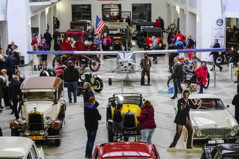 Wystawa Pojazdów Zabytkowych w Centrum Targowym PARK w Toruniu to prawdziwa gratka dla fanów klasycznej motoryzacji. Old Timer Meeting Toruń to okazja
