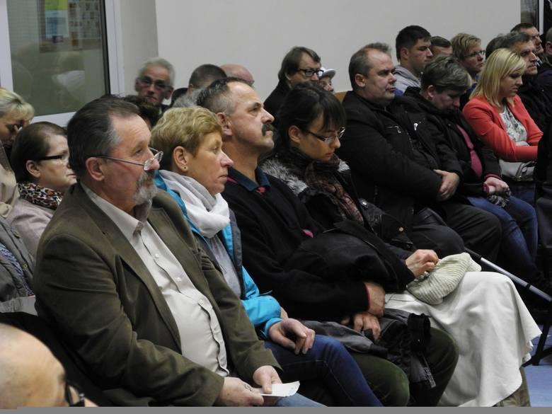 Na specjalnym spotkaniu sołeckim zwołanym przez Ryszarda Sylkę, burmistrza Bytowa zdecydowali o wycofaniu wniosku w sprawie przejścia ich miejscowości
